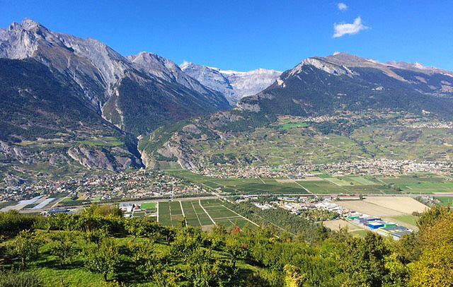 Während der Probefahrten im Wallis konnten die Workshop-Teilnehmer bei perfektem Wetter auch wunderschöne Aussichten geniessen.